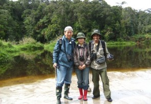 Hsin_Wang_Sue_and_Nurlin_Djuni_Birding_in_Lore_Lindu_Central_Sulawesi_.JPG